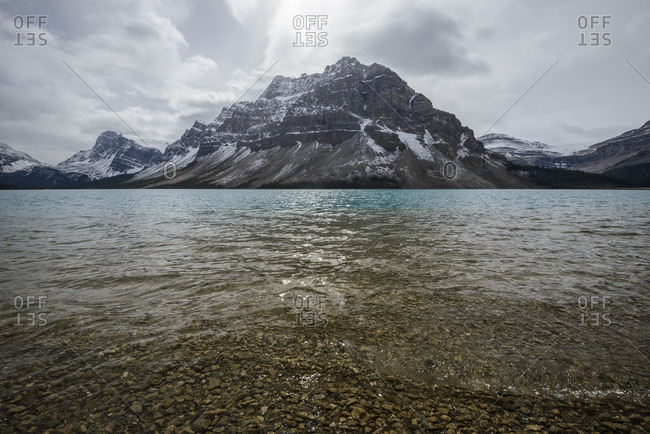 Canada, Alberta, Banff, Mountains reflecting in Bow Lake