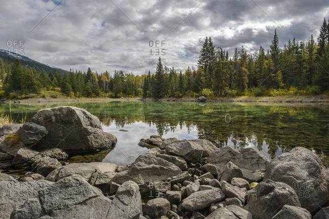 Canada, Alberta, Jasper, View of lake in Valley of Five Lakes