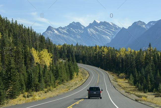 Canada, Alberta, Banff, AB-93 road in mountain landscape