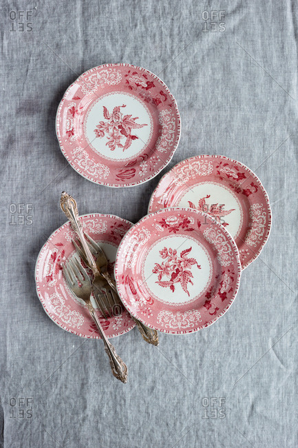 Red dessert plates