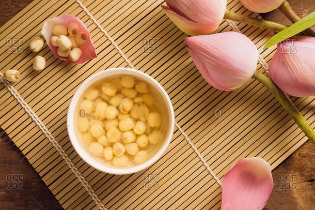 Leng Chee Kang, a cooling sweet lotus seed soup