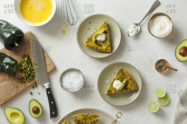Frittata with peppers, sour cream and avocado