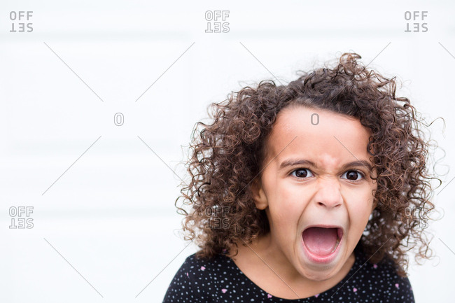 5557ca896 shouting mouth stock photos - OFFSET