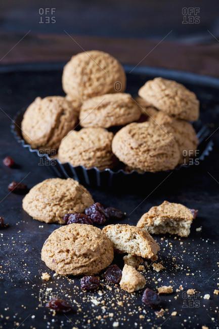 Flapjacks with raisins