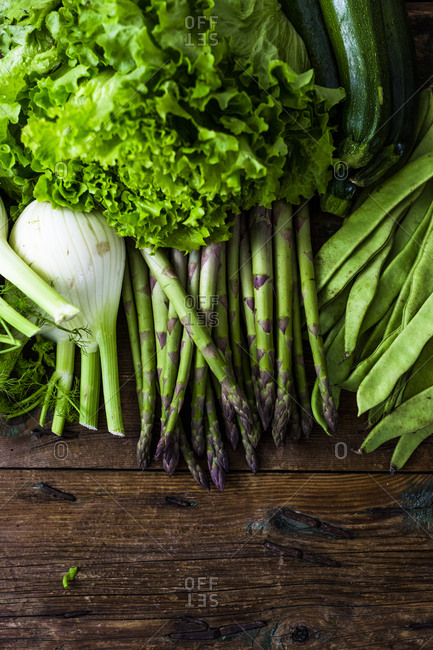 Green asparagus- salad- zucchini- fennel and pea pods