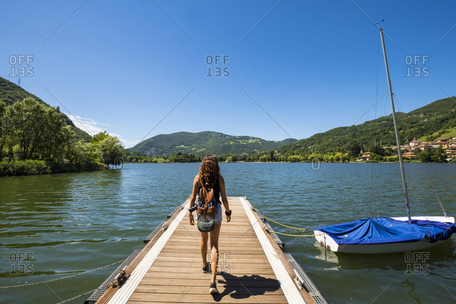 Teenager traveling in Di Endine Lake in the north of Italy