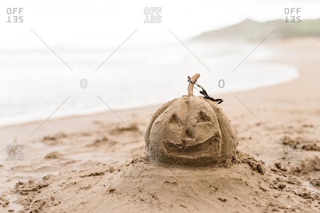 Sand jack-o-lantern