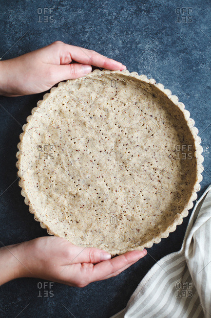 Pressing tart crust