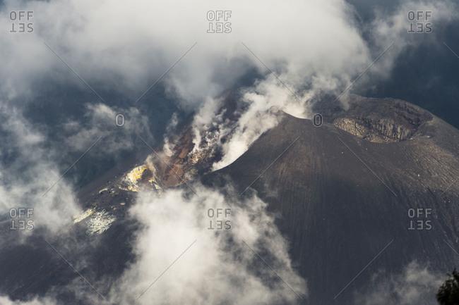 Scenery at Gunung Rinjani, ascending sulfur fumes