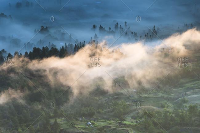 Scenery at Gunung Batur, fog, clouds