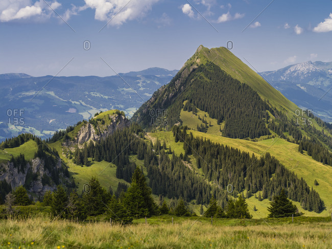 Summery mountain landscape in the Bernese Oberland