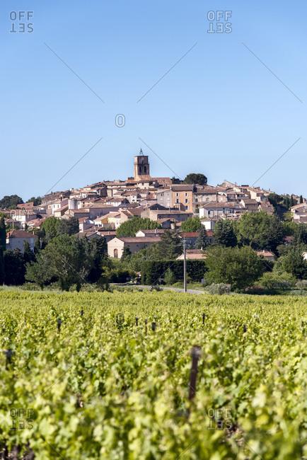 Seguret, Vaucluse, Provence, Provence-Alpes-Cote dAzur, France, commune of Seguret in the canton of Vaison-la-Romaine, Arrondissement Carpentras, Mont Ventoux in the background,