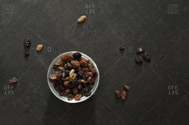 Bowl, different raisins, dried,