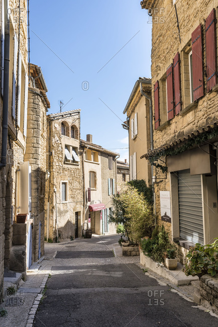 Vaucluse, Provence-Alpes-Cote dAzur, Provence, France, view to the streets of the Old Town of the wine village Chateauneuf-du-Pape