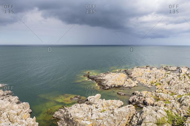Storm over the Baltic Sea in front of Randklove Skar, Europe, Denmark, Bornholm,