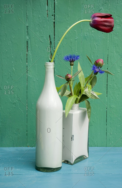 DIY vases made of glass bottles