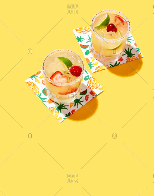 Tropical Synner Cocktails on Yellow