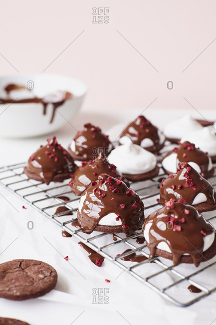 Drizzling Melted Chocolate on Marshmallow Teacakes