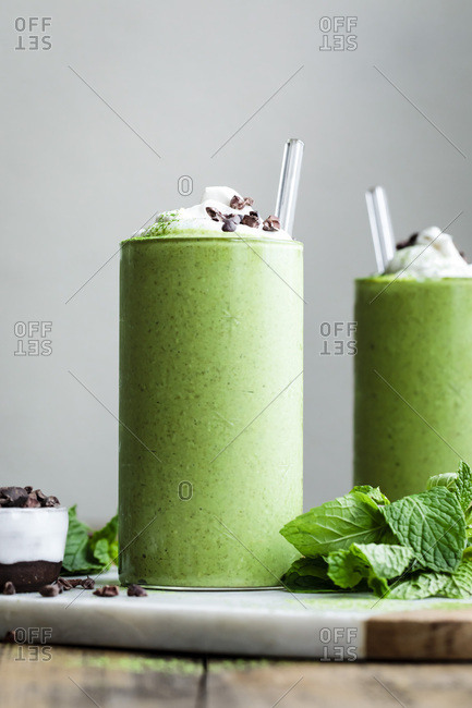 Matcha mint smoothie