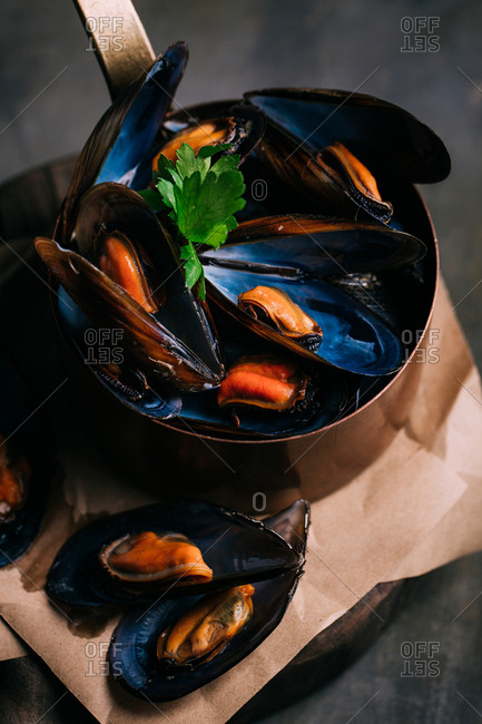 Boiled fresh mussels served