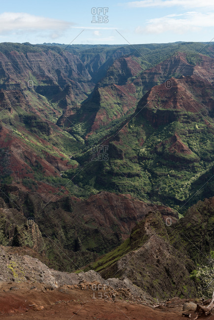 Mountain ranges in Na Pali Coast State Park on a sunny day