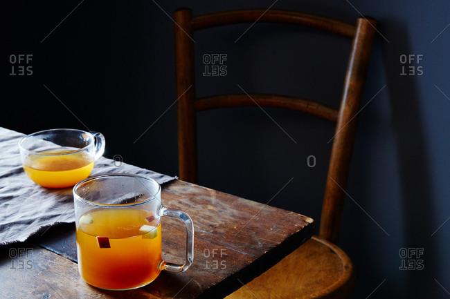 Apple cider with honey and gewurztraminer white wine