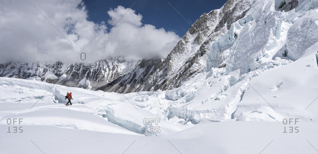 Nepal- Solo Khumbu- Everest- Sagamartha National Park- Mountaineer at Western Cwm