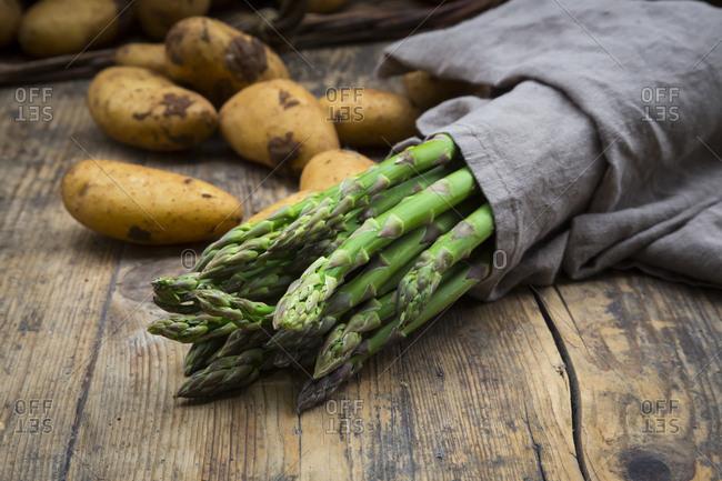 Organic green asparagus