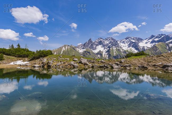Germany- Bavaria- Allgaeu- View from Gugg lake to Allgaeu Alps- Central main ridge
