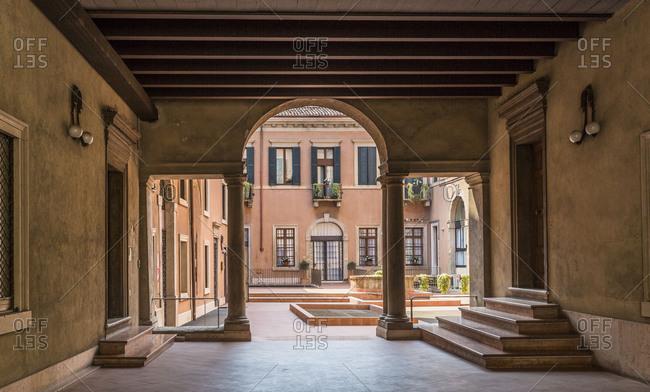 Typical inner courtyard, Verona, Veneto, Italy, Europe