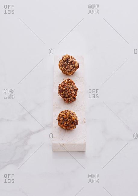 Chocolate crunchy truffles