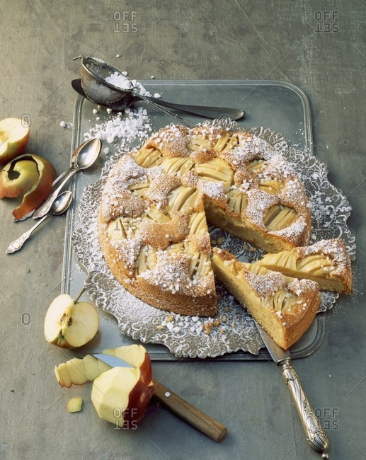 Apple cake with icing sugar