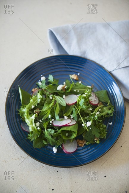 Salad with fresh herbs - Offset