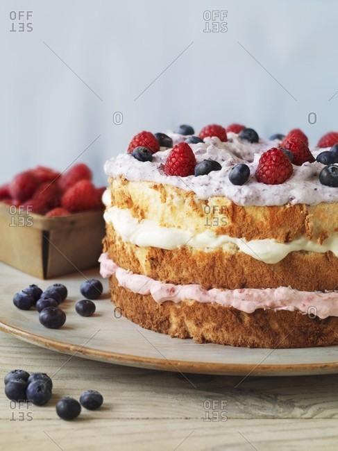 Angel cake with fresh berries