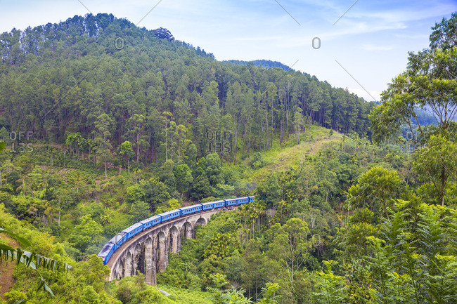 Sri Lanka, Ella, Train on Nine Arches bridge