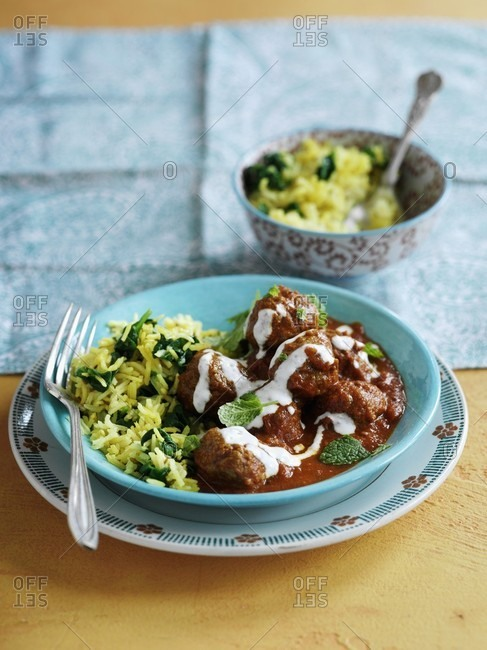 Curry with beef meatballs (India)
