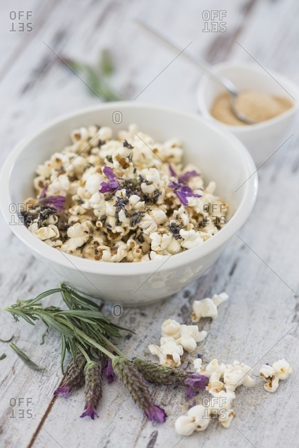 Sweet popcorn with brown sugar and lavender