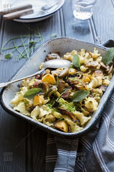 Autumnal noodle bake with pumpkin, mushrooms and sage