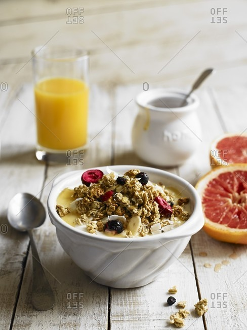 Breakfast muesli with yoghurt