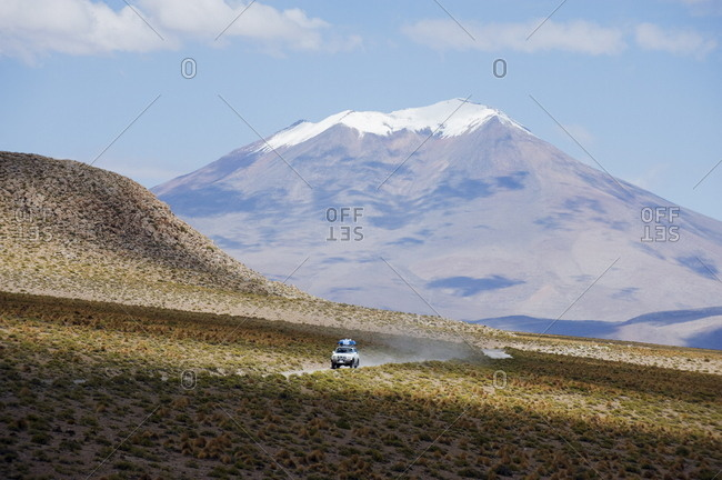 Four wheel drive tour in the Altiplano, Bolivia, South America