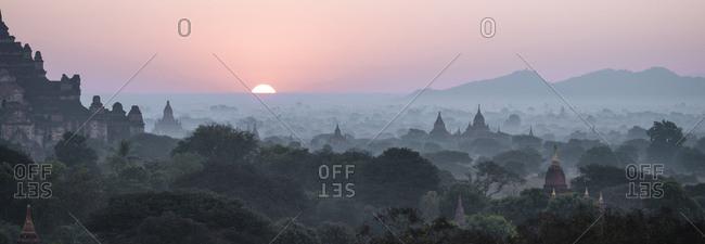View of temples at dawn, Bagan (Pagan), Mandalay Region, Myanmar (Burma), Asia