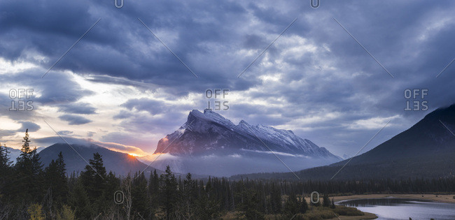 Vermilion Lakes sunrise, Banff National Park, UNESCO World Heritage Site, Canadian Rockies, Alberta, Canada, North America