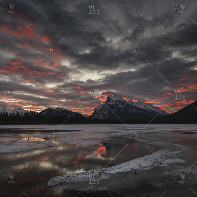 Morning glow in winter landscape of Vermilion Lakes, Banff National Park, UNESCO World Heritage Site, Rocky Mountains, Alberta, Canada, North America