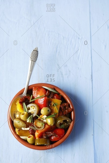 Grilled peppers with dried tomatoes, olives and jalape�os (Spain)