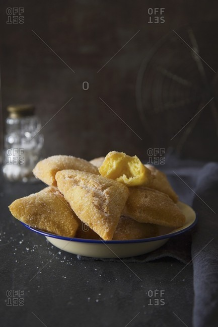 Deep-fried pastries made with semolina flour and sugar