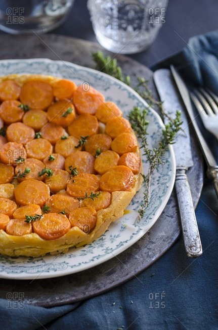 Carrot tarte tatin with thyme and goat's cheese
