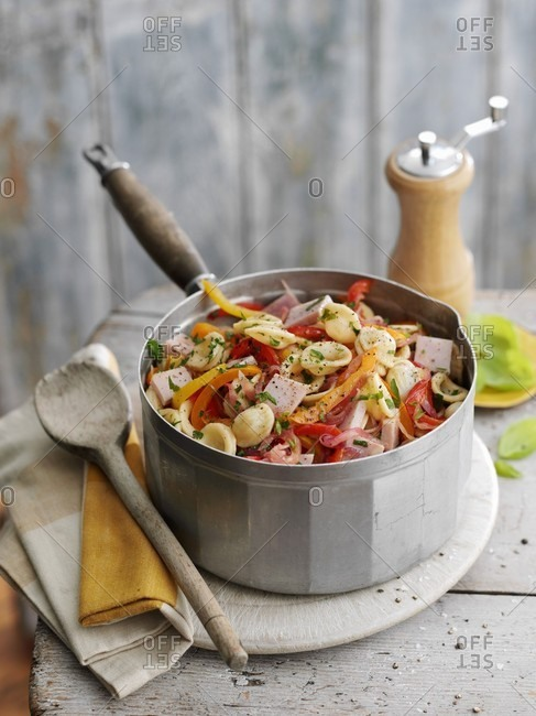Pasta salad with diced ham and vegetables