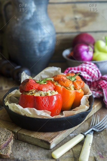 Roast peppers stuffed with rice and minced meat