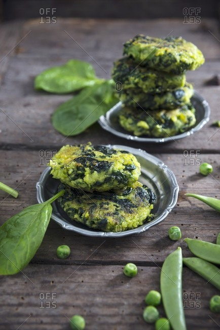 Vegan spinach and pea fritters