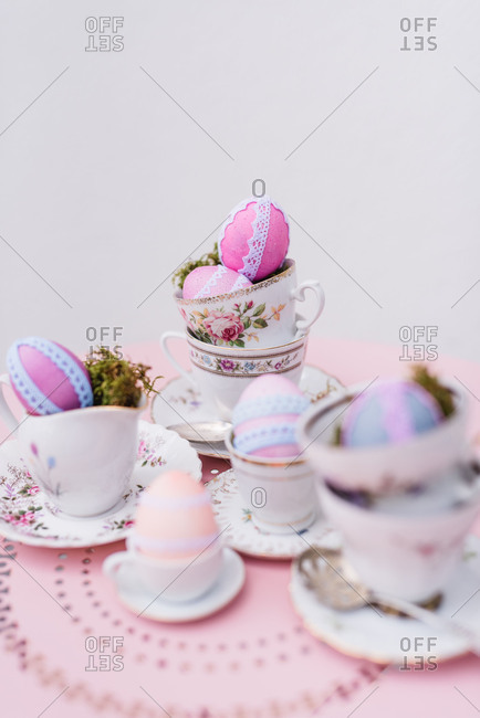 Easter decoration, coffee service, Easter eggs, lace, detail,